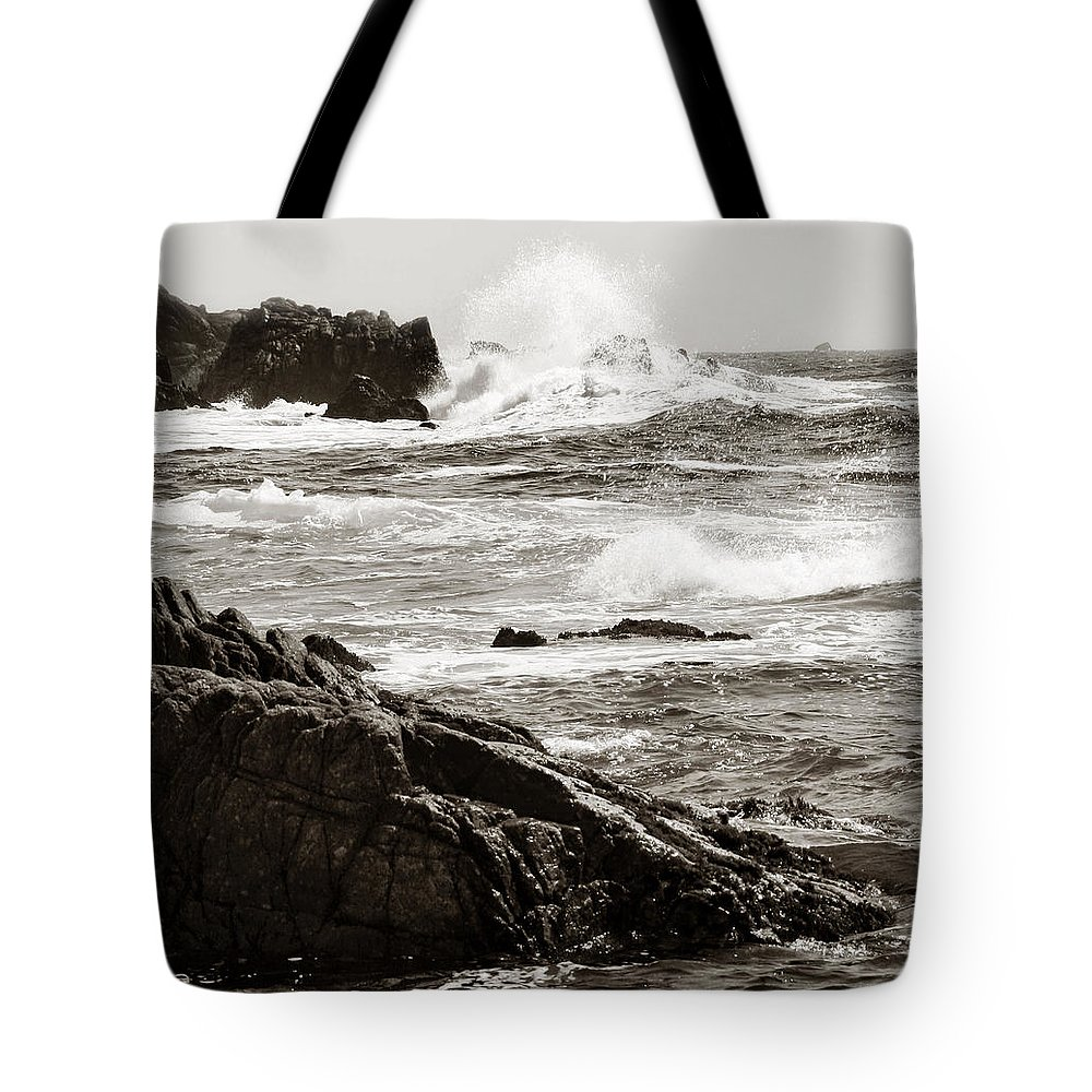 Pebble Beach Tote Bag featuring the photograph Waves Crashing by Marilyn Hunt