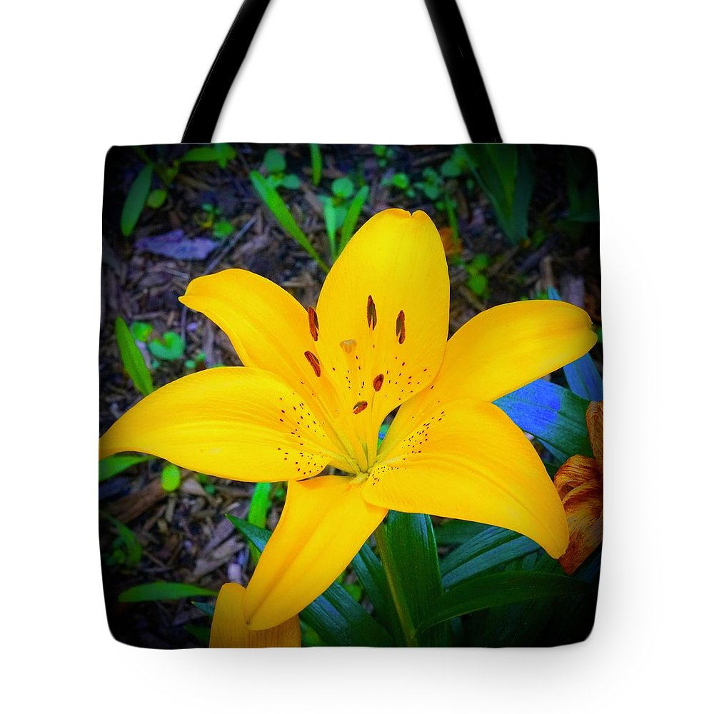 Welcome Tote Bag featuring the photograph Welcoming Lily by Tim G Ross