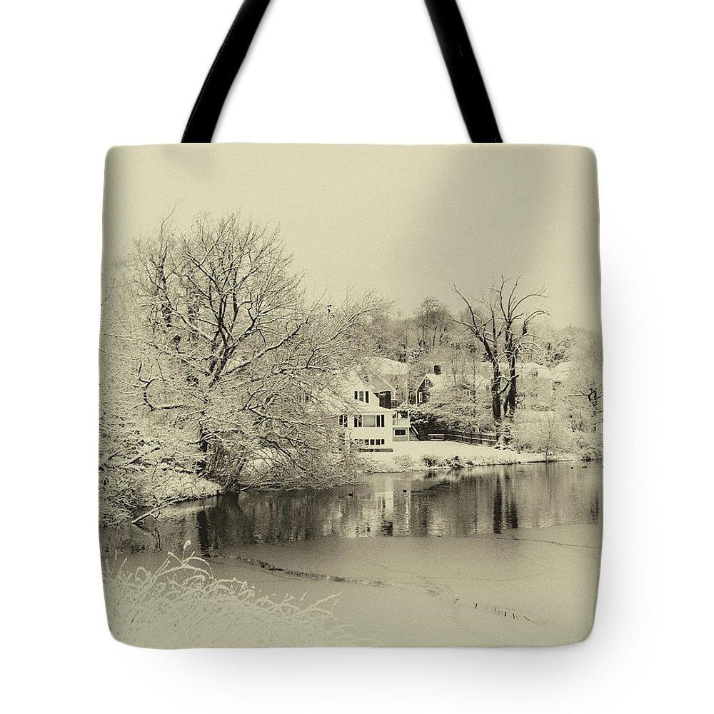 Plymouth Snow Tote Bag featuring the photograph White Christmas by Diane Germani