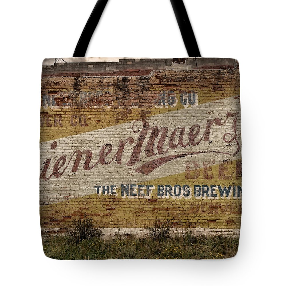 Wiener Maerzen Tote Bag featuring the photograph Wiener Maerzen Beer Sign Victor Co Img_8703 by Greg Kluempers