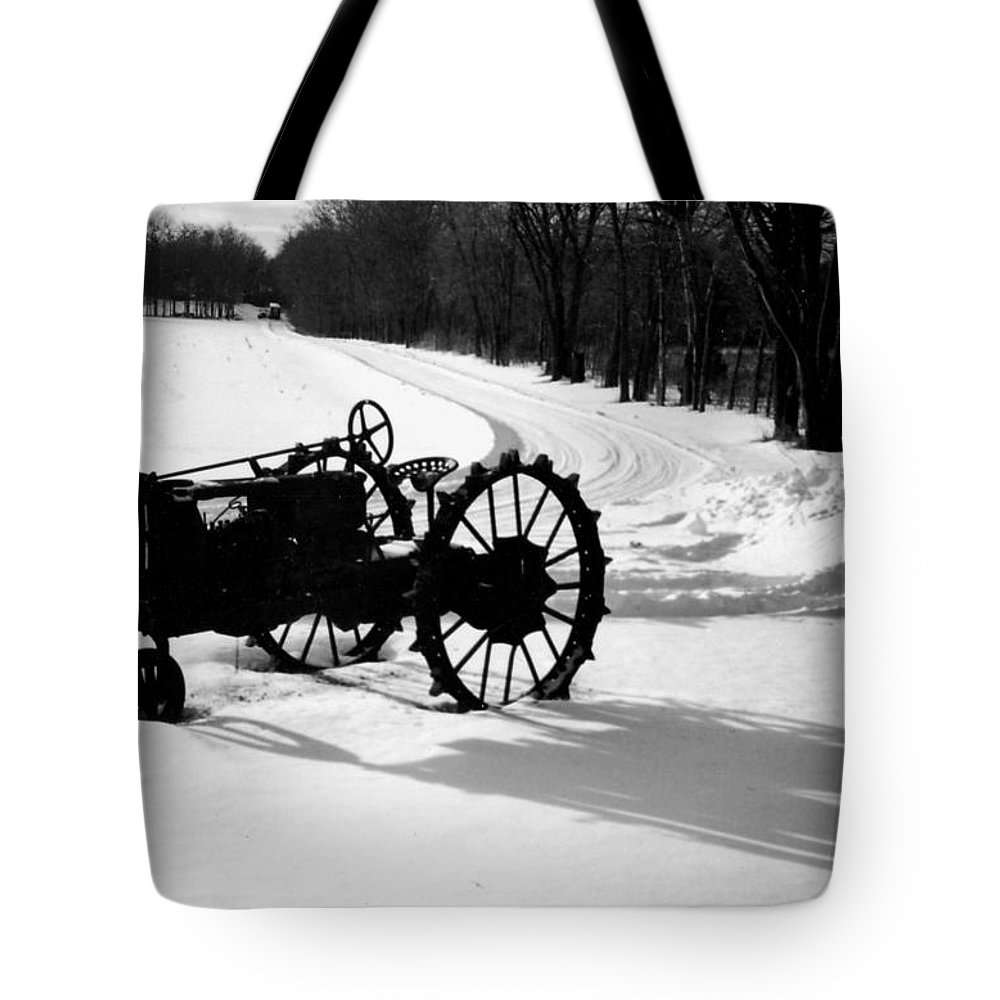 Rusty Relic Tote Bag featuring the photograph Willig Collection 5 by R John Ferguson