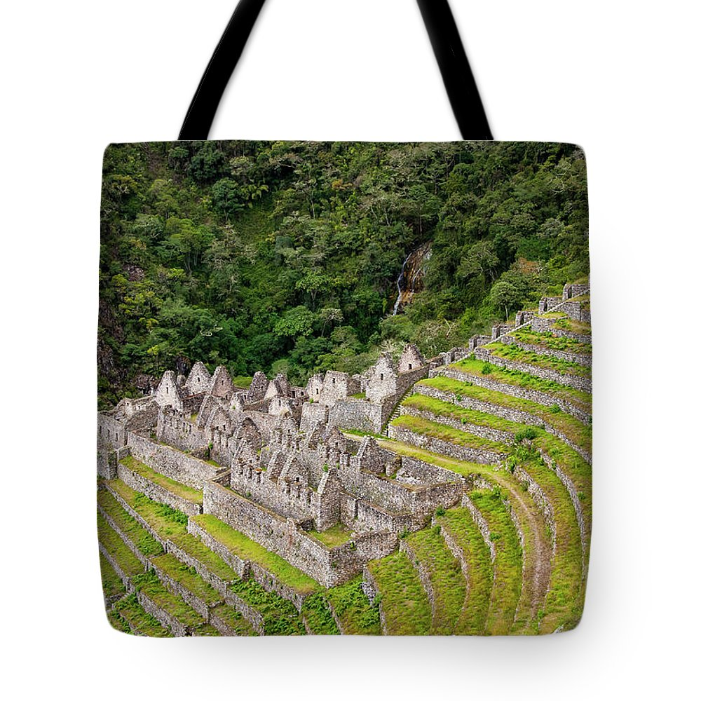 Winaywayna Site Tote Bag featuring the photograph Winaywayna by Bob Phillips