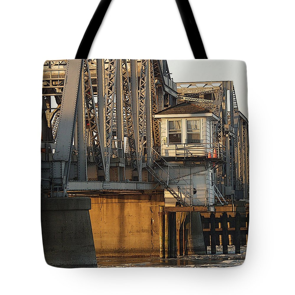 Bridge Tote Bag featuring the photograph Winter Bridgehouse by Tim Nyberg