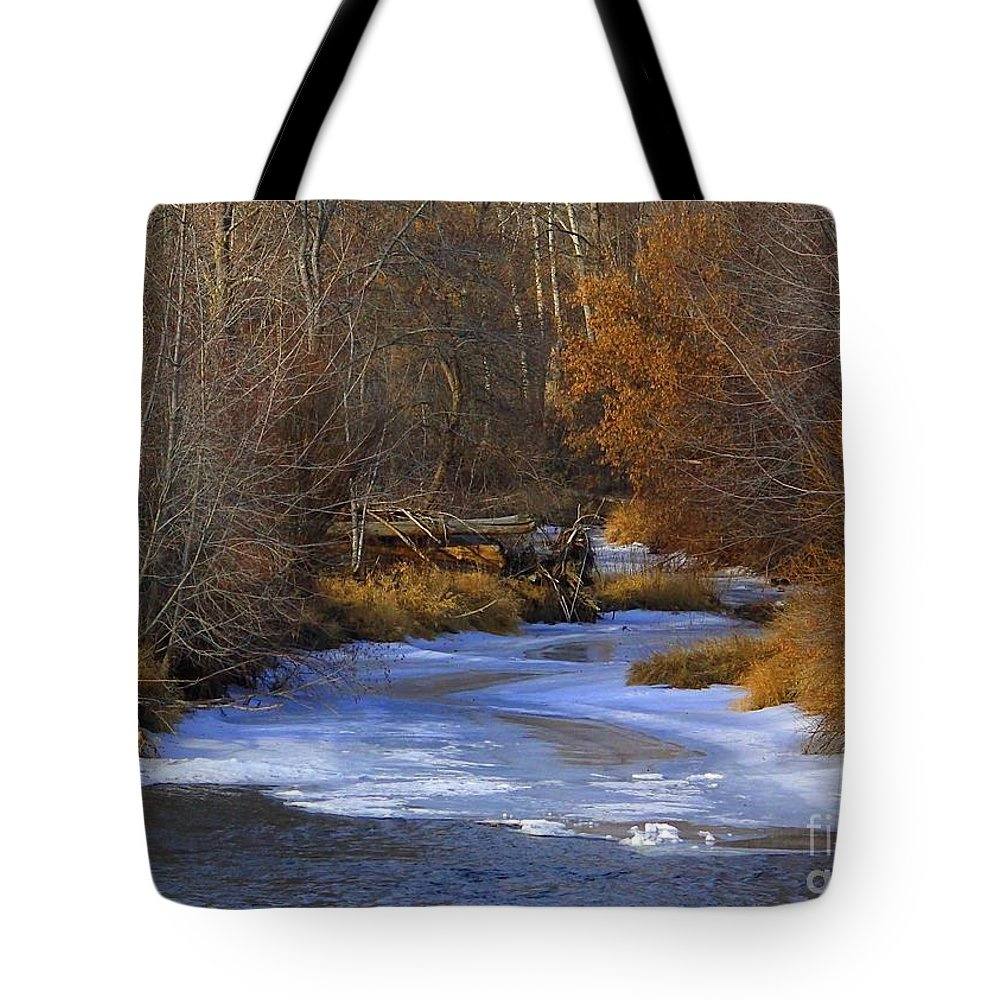 Yakima Tote Bag featuring the photograph Winter Gold On The Yakima River by Carol Groenen