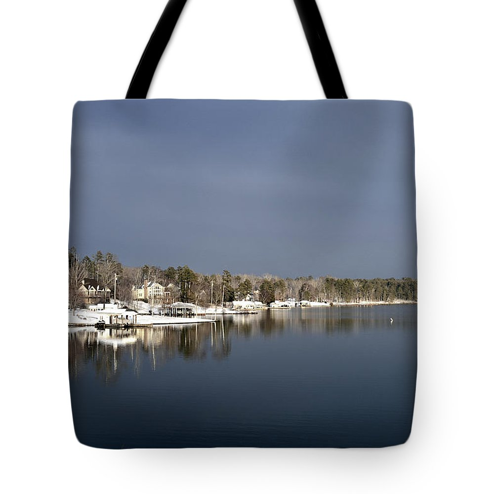 Lake Scene Tote Bag featuring the photograph Winter On The Lake by Glenda Ward