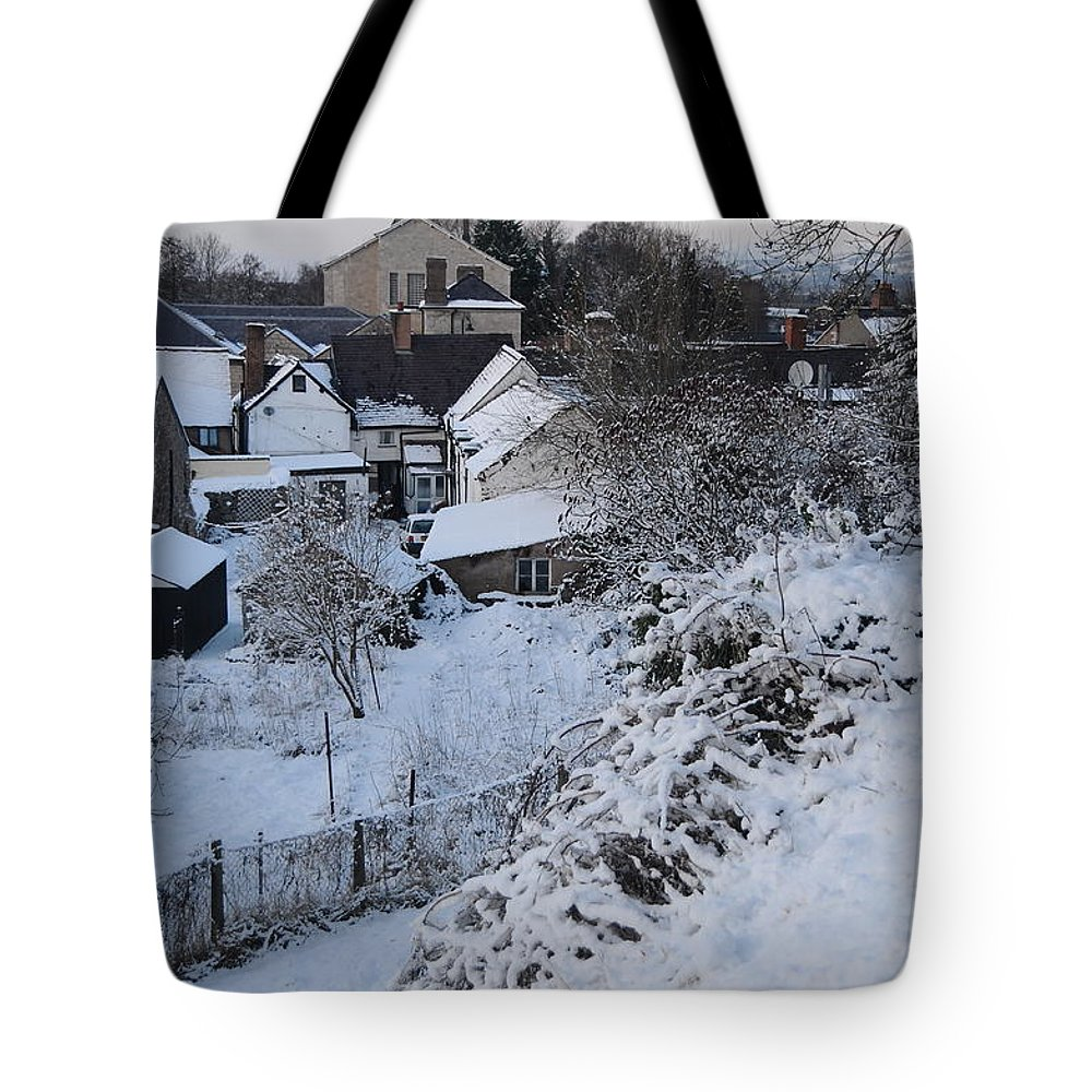 Winter Tote Bag featuring the photograph Winter Scene In North Wales by Harry Robertson