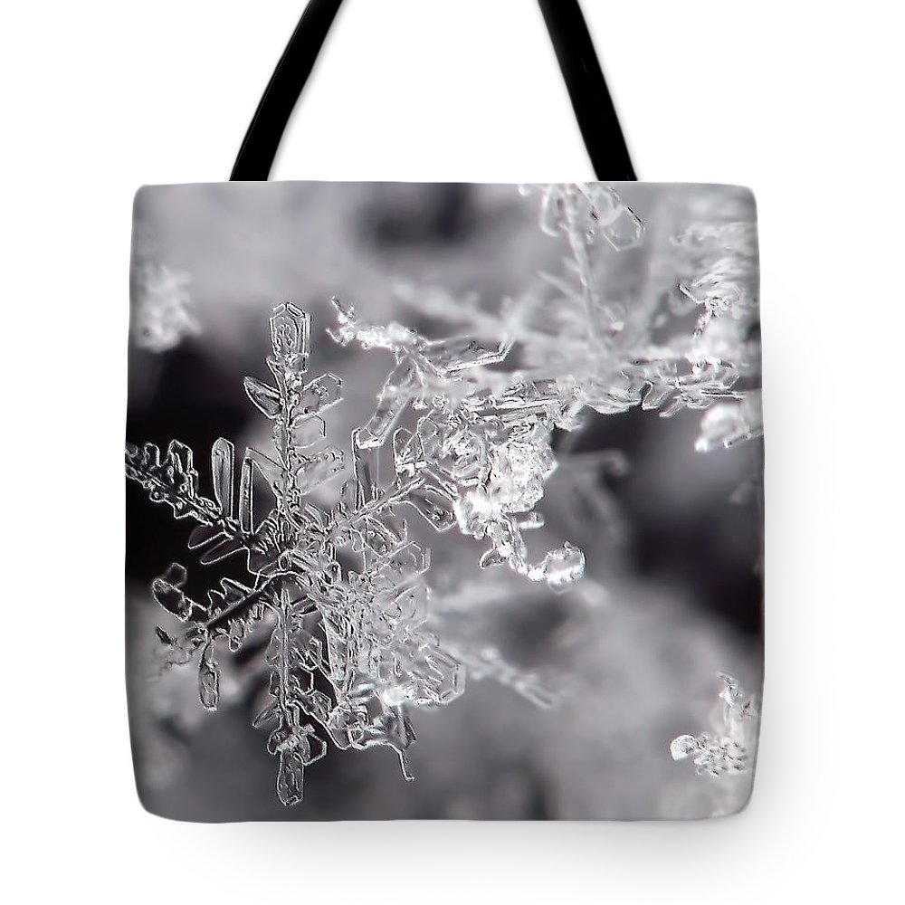 Macro Tote Bag featuring the photograph Winter's Beauty by Lauren Radke