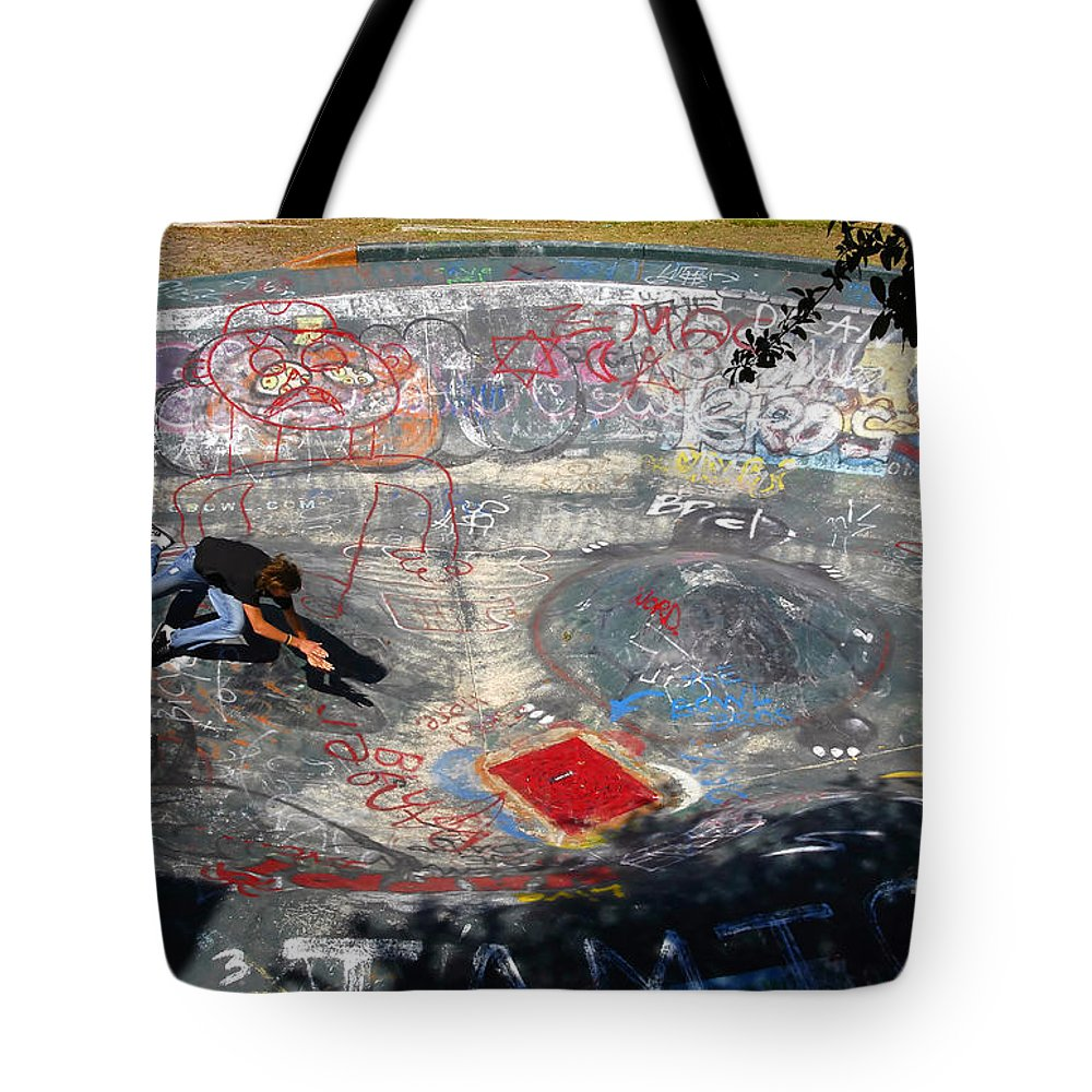 Falling Tote Bag featuring the photograph Wipe-out by David Lee Thompson