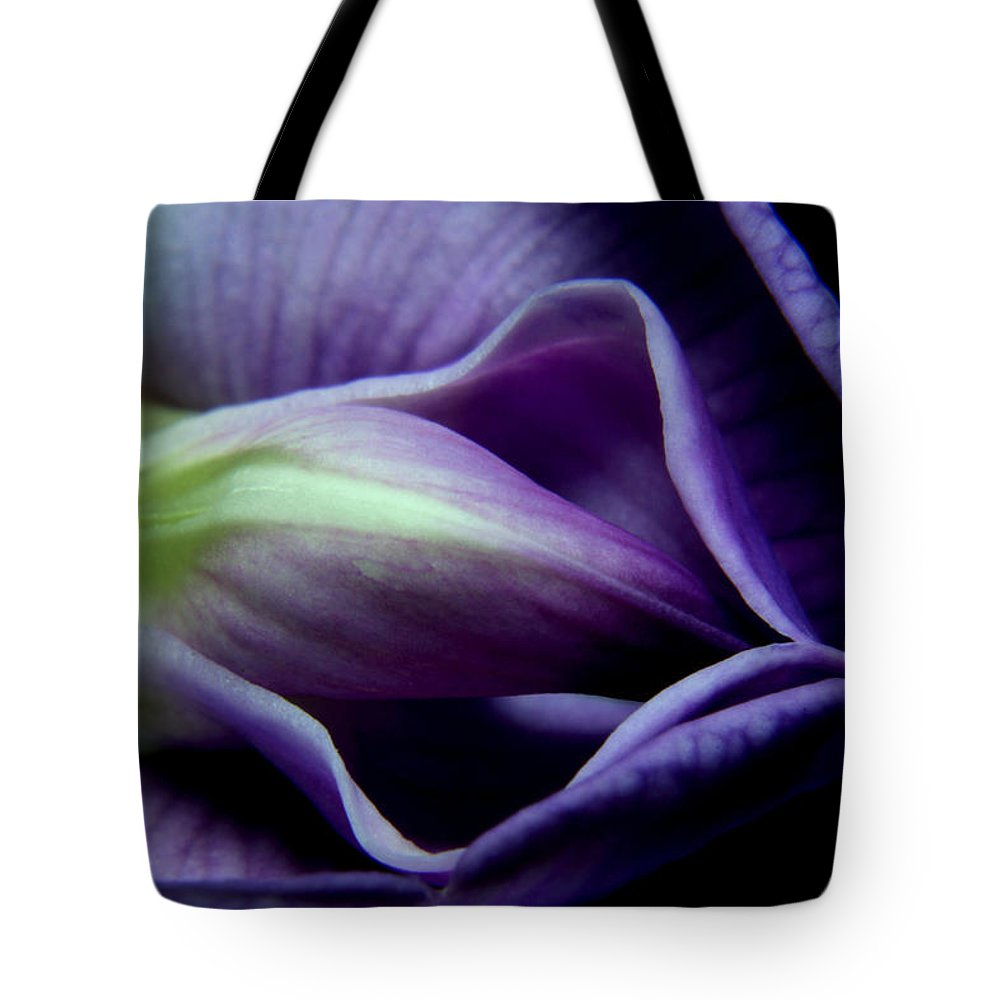 Nature Tote Bag featuring the pyrography Wisteria Close Up 6 by Robert Morin