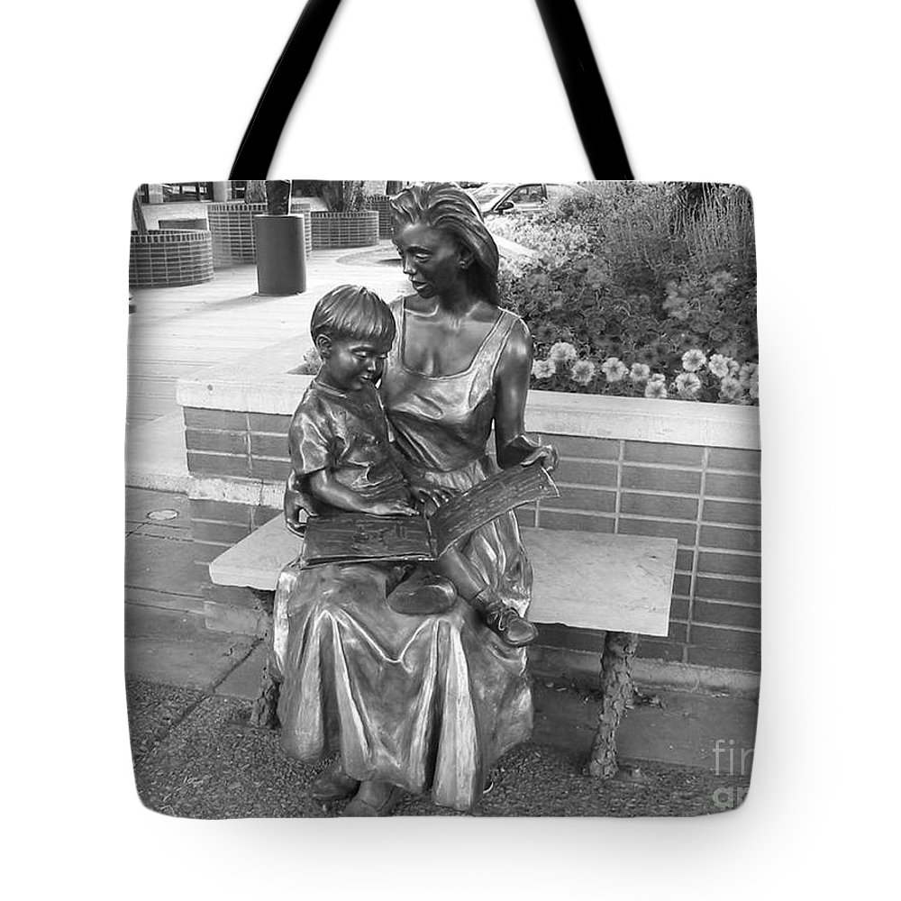 Woman And Child Sculpture Grand Junction Tote Bag featuring the photograph Woman And Child Sculpture Grand Junction Co by Tommy Anderson