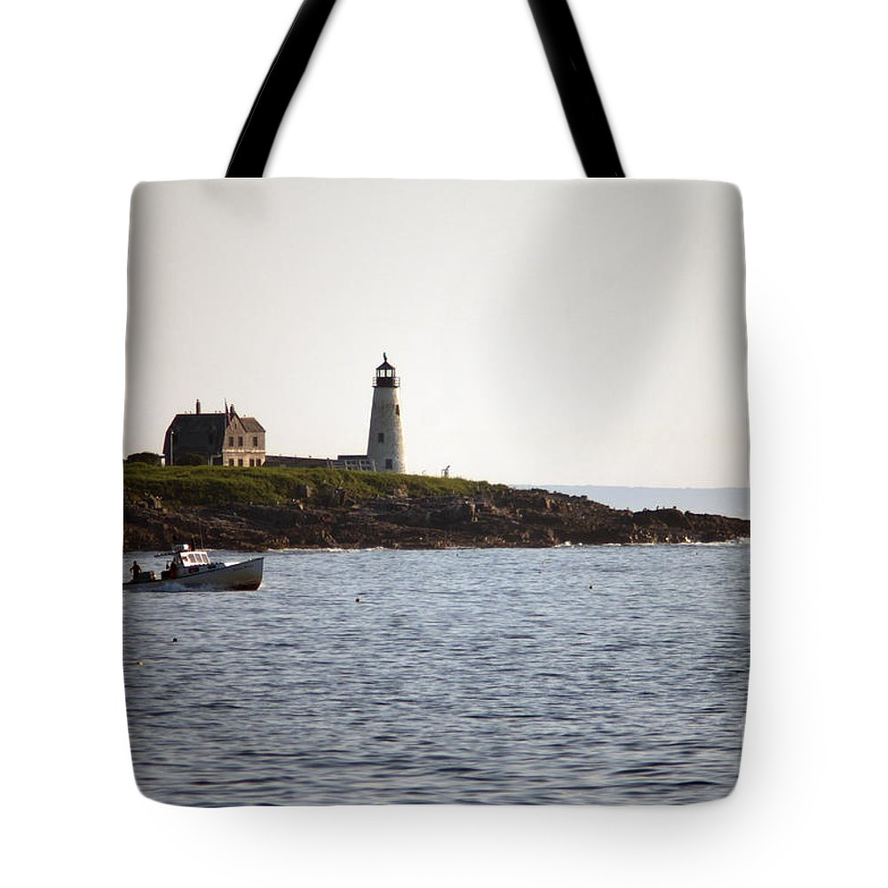 Wood Tote Bag featuring the photograph Wood Island Lighthouse 3 by Ray Konopaske