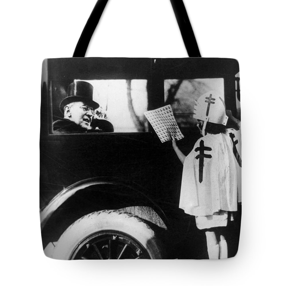 1923 Tote Bag featuring the photograph Woodrow Wilson (1856-1924) by Granger