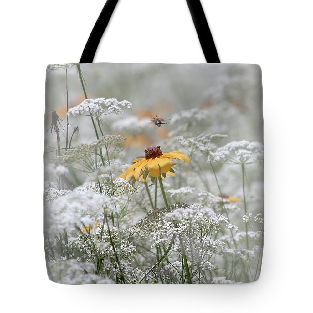 Flora Tote Bag featuring the photograph Wrapped In Queen Anne's Lace by Robert Frederick