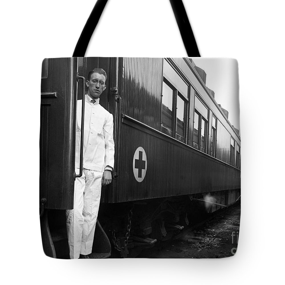 1917 Tote Bag featuring the photograph Ww I: Red Cross Railroad by Granger