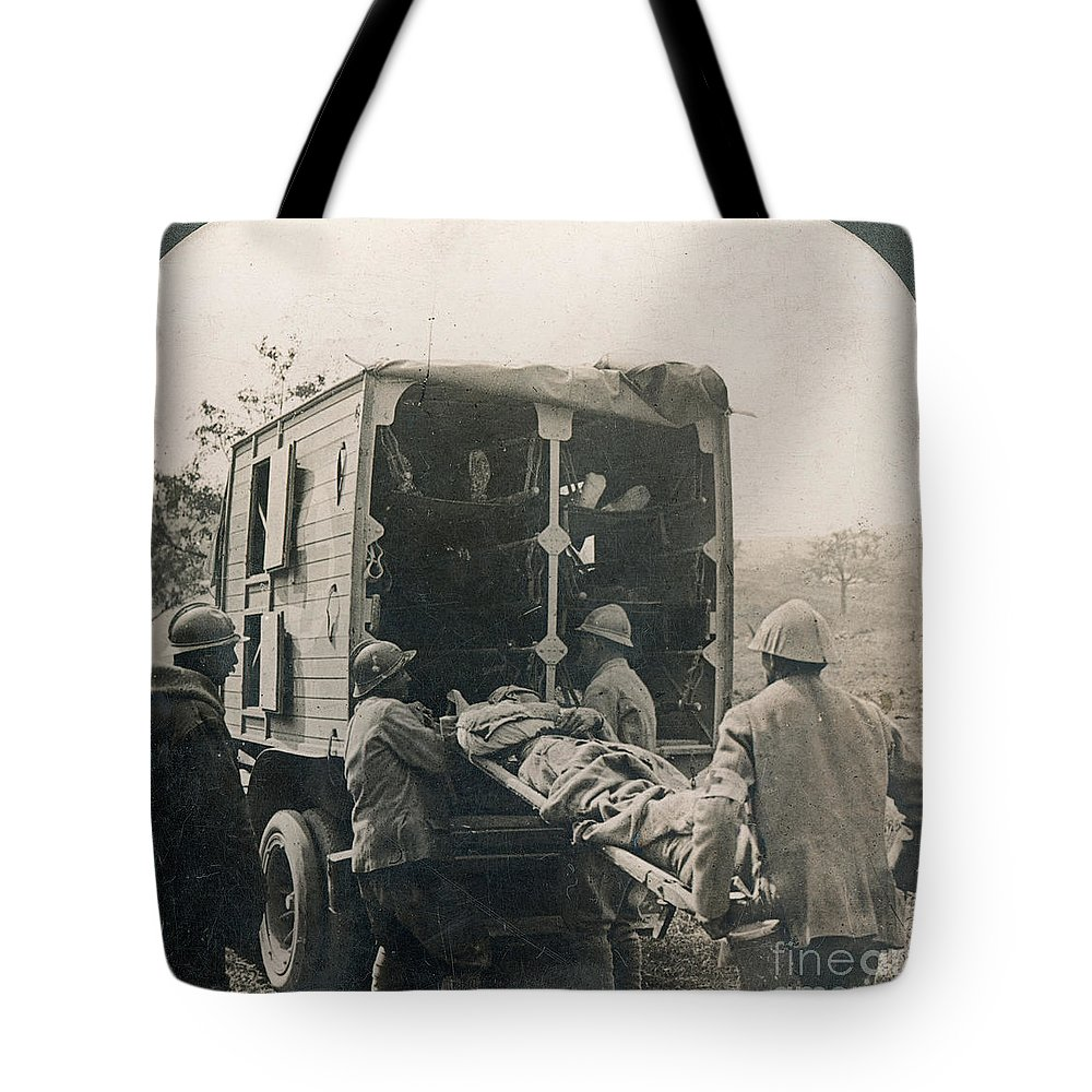 20th Century Tote Bag featuring the photograph Ww I: Wounded/medics by Granger