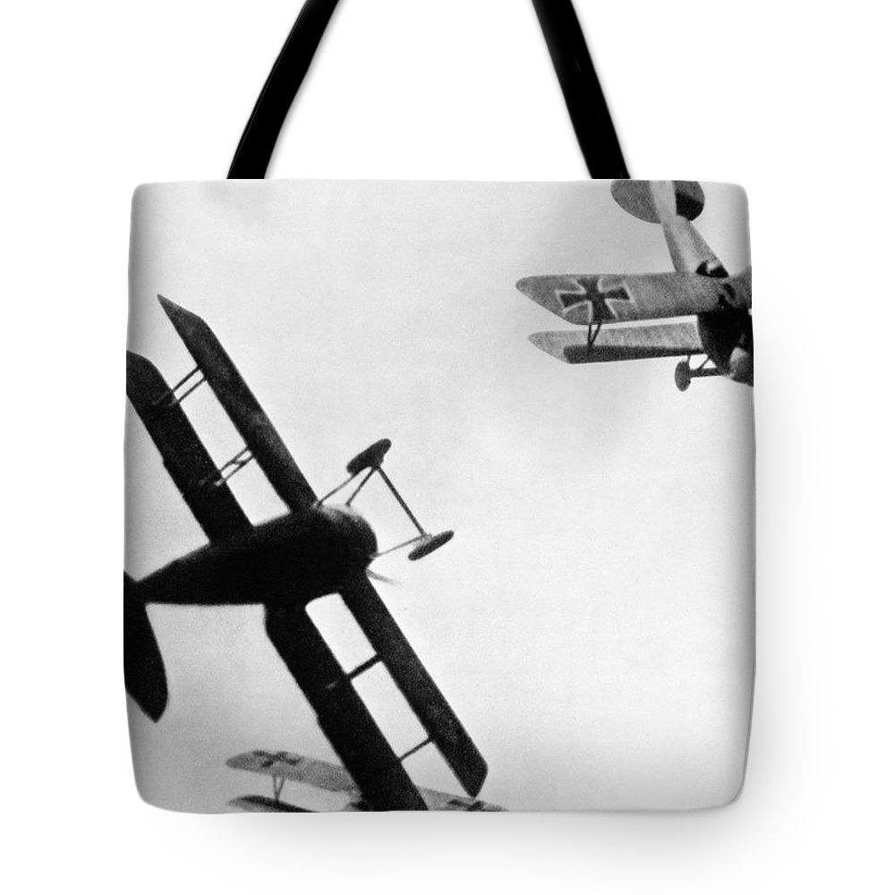 1914 Tote Bag featuring the photograph Wwi: Dogfight by Granger