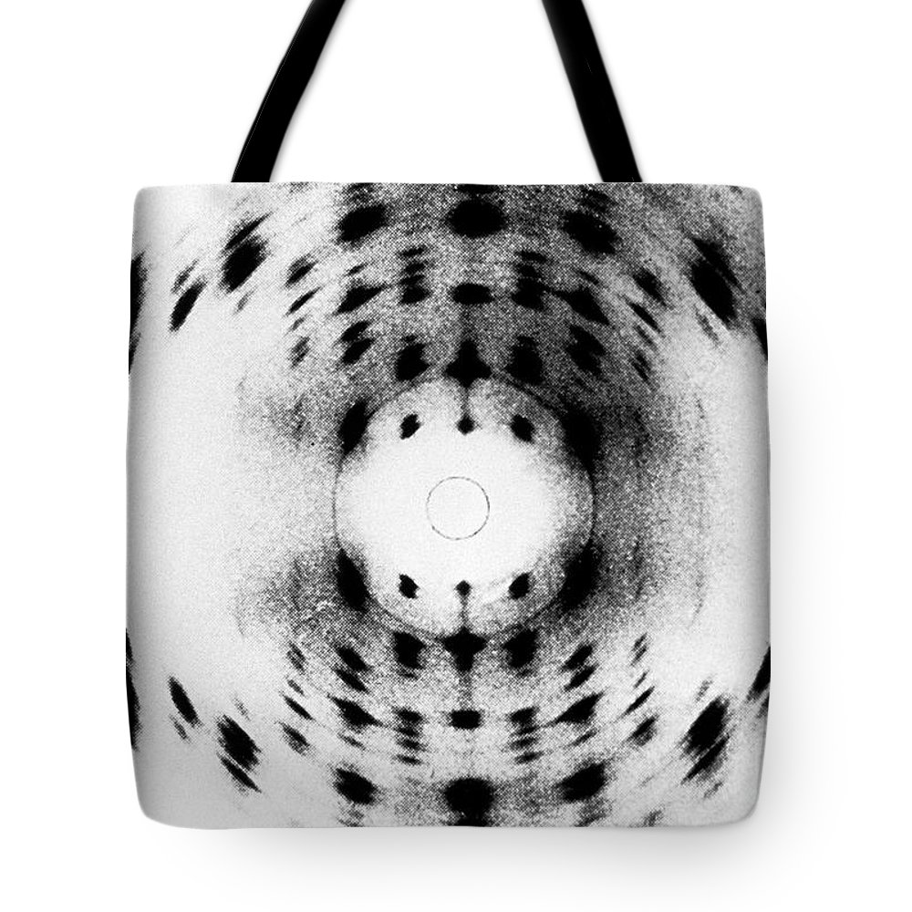 X-ray Diffraction Tote Bag featuring the photograph X-ray Diffraction Image Of Dna by Science Source