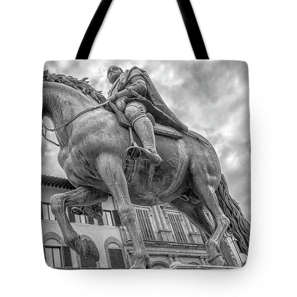 Florence Tote Bag featuring the photograph Cosimo De Medici by Steven Greenbaum