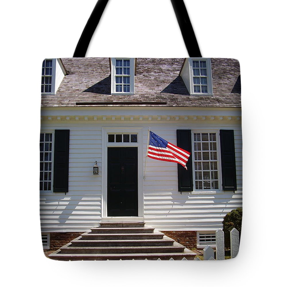 Yorktown Tote Bag featuring the photograph Yorktown II by Flavia Westerwelle