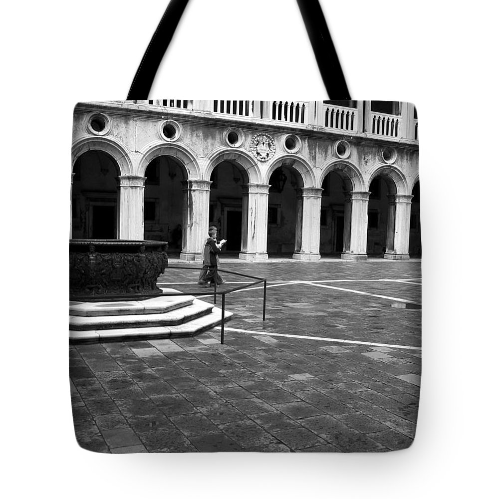 Venice Tote Bag featuring the photograph Young Scholars by Dylan Punke