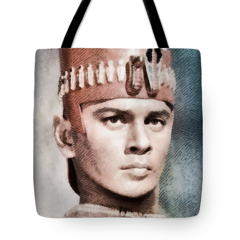 Hollywood Tote Bag featuring the painting Yul Brynner, Hollywood Legend By John Springfield by John Springfield