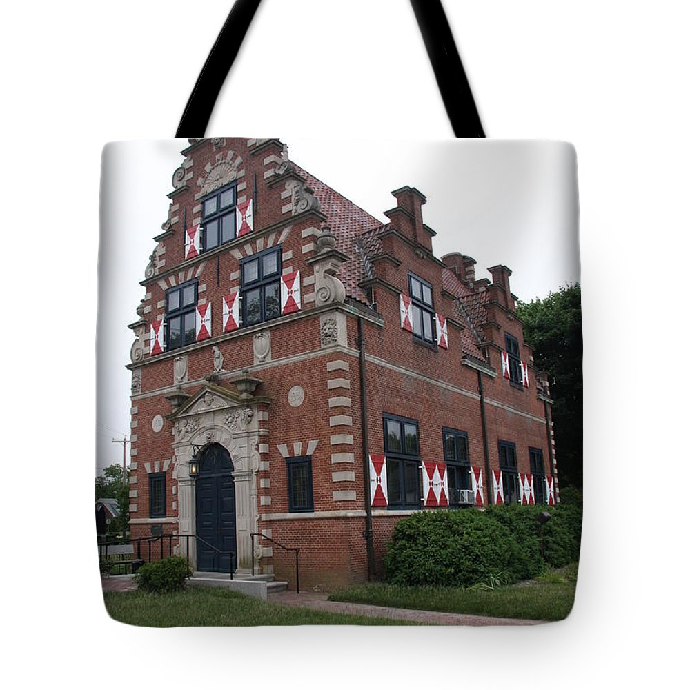 Dutch House Tote Bag featuring the photograph Zwaanendael Museum by Christiane Schulze Art And Photography