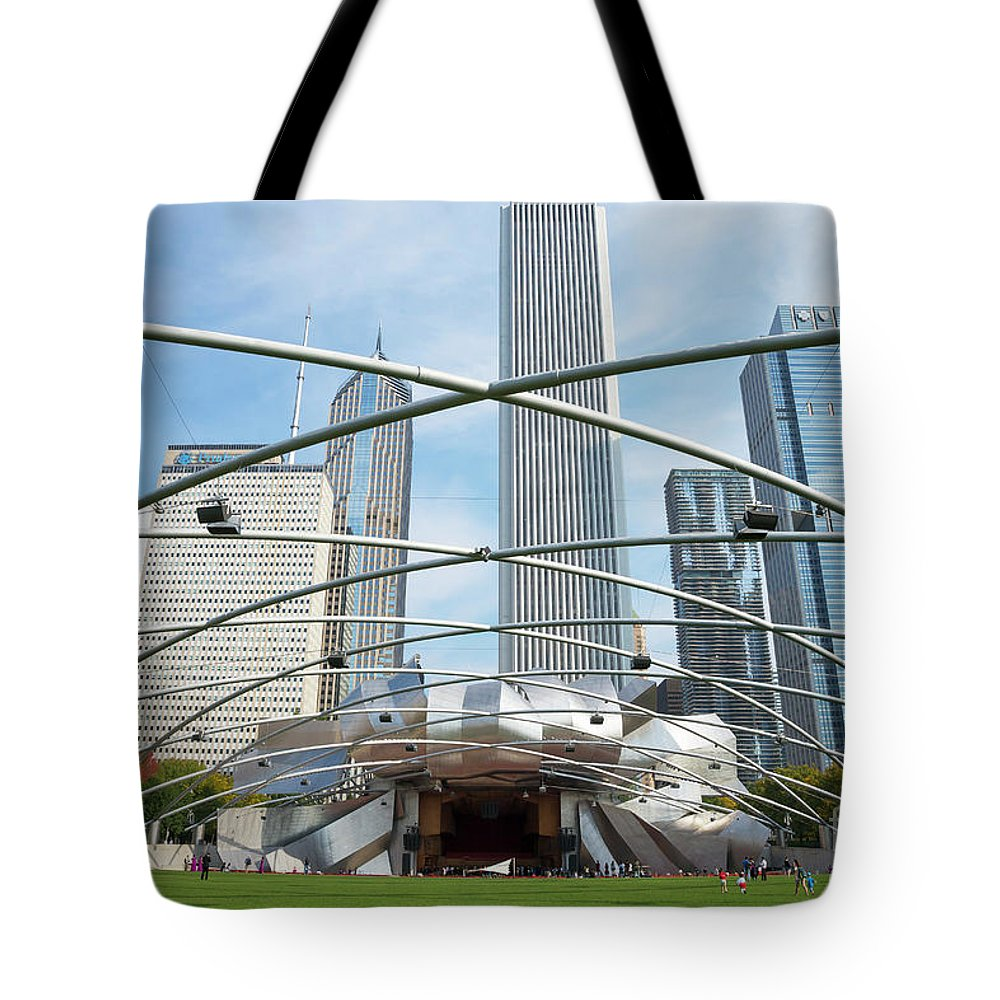 America Tote Bag featuring the photograph The Great Lawn, Trellis, Bandshell And Jay Pritzker Pavilion, Mi by Peter Barritt
