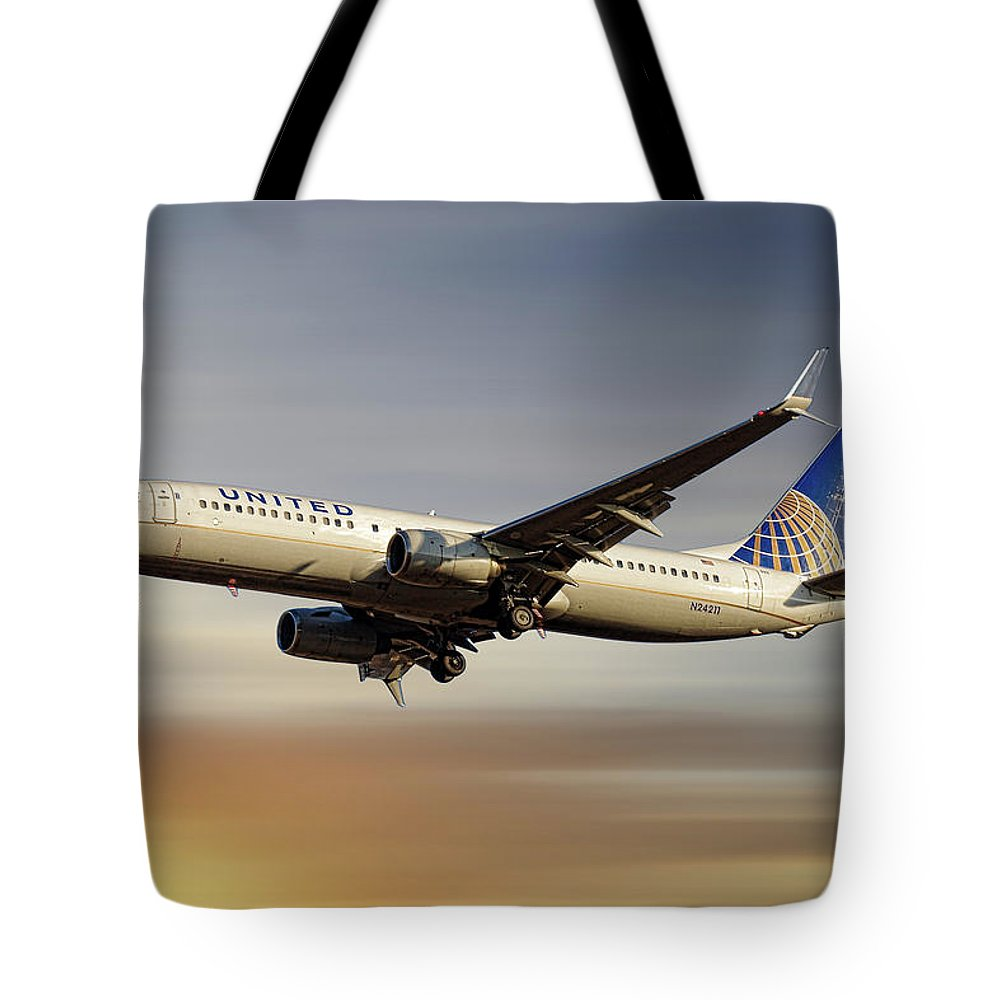 United Airlines Tote Bag featuring the mixed media United Airlines Boeing 737-824 by Smart Aviation