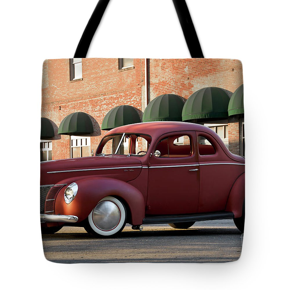 Auto Tote Bag featuring the photograph 1940 Ford Deluxe Coupe by Dave Koontz