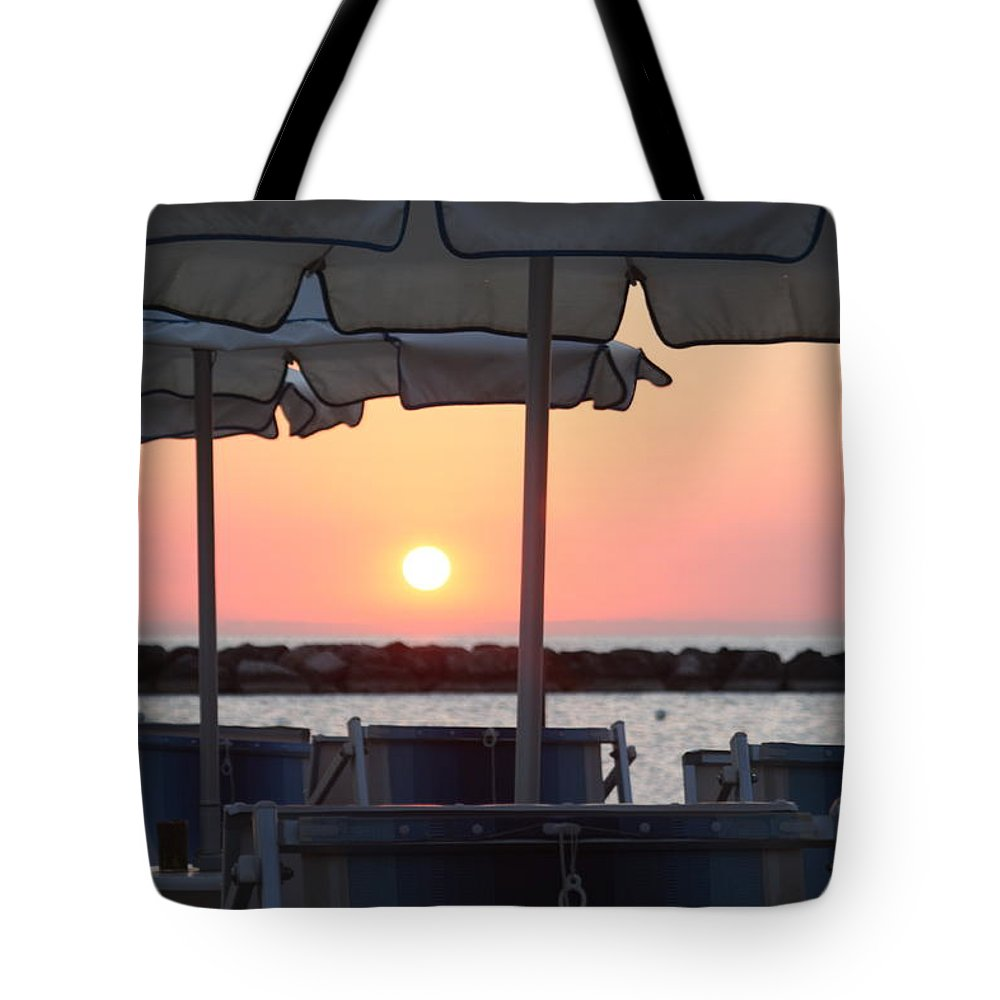 Spiaggia Tote Bag featuring the pyrography Alba Al Mare by Marcello Gennari