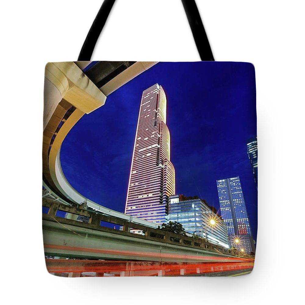 Tranquility Tote Bag featuring the photograph Downtown Miami by Roberto Bowyer