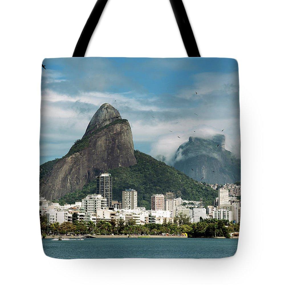 Majestic Tote Bag featuring the photograph Lagoa Rodrigo De Freitas by Daniel Santacatalina