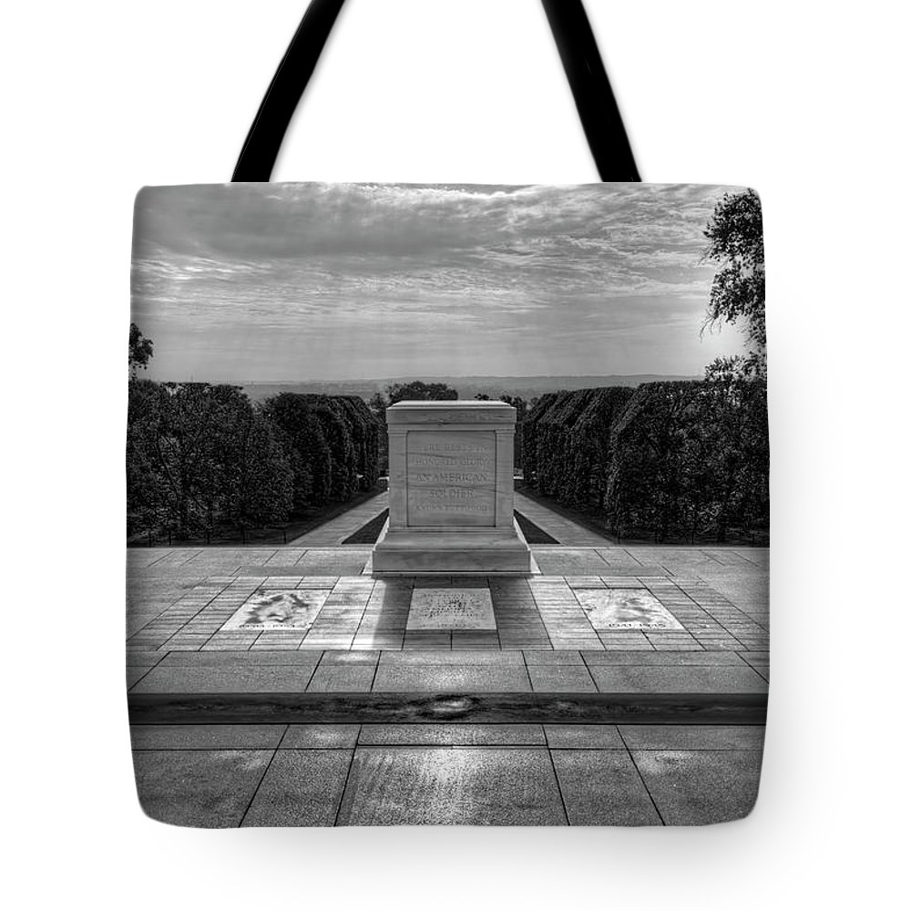 Craig Fildes Photography Tote Bag featuring the photograph Tomb Of The Unknown Soldier by Craig Fildes