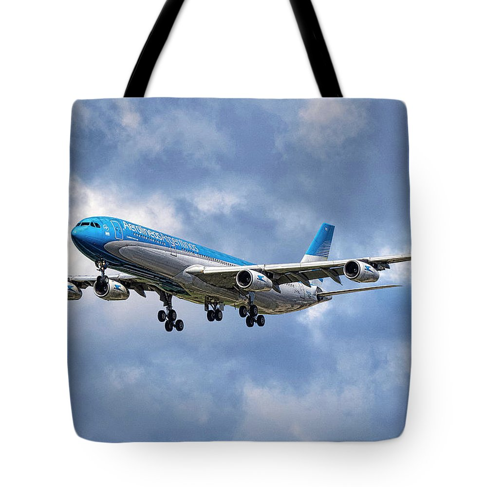 Aerolineas Argentinas Tote Bag featuring the mixed media Aerolineas Argentinas Airbus A340-313 by Smart Aviation