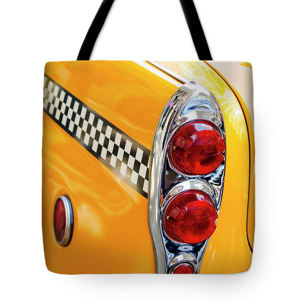 Outdoors Tote Bag featuring the photograph Usa, New York State, New York City by Tetra Images
