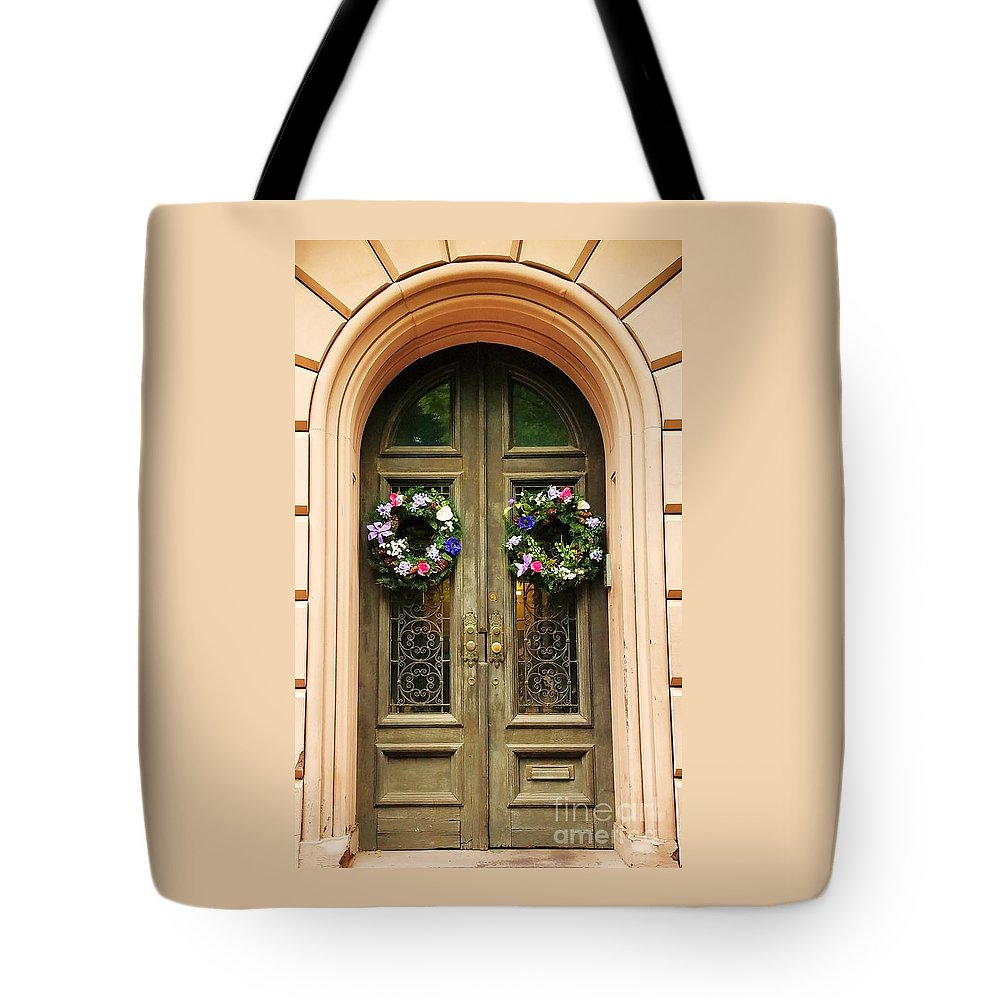 Mount Vernon Tote Bag featuring the photograph A Doorway In Mount Vernon In Spring by Marcus Dagan