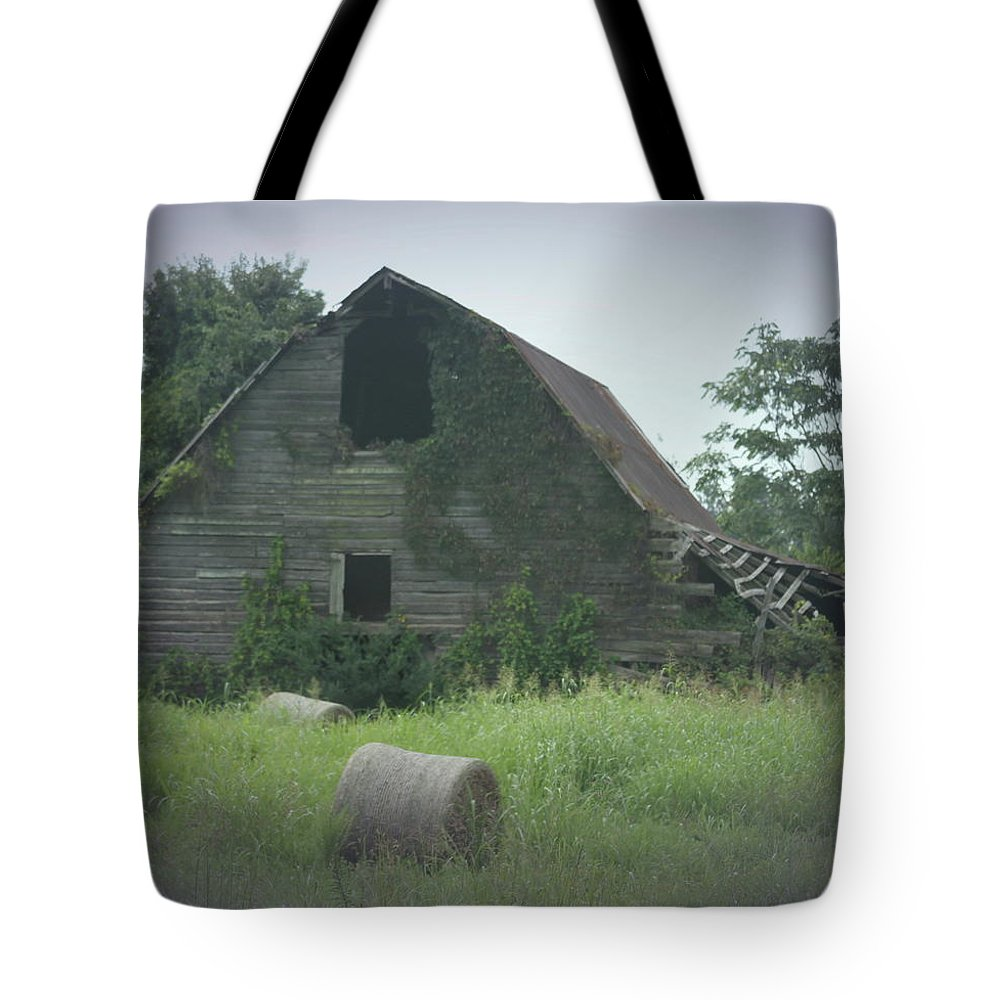 Old Barn Tote Bag featuring the photograph Abandoned Barn And Hay Roll 2018c by Cathy Lindsey