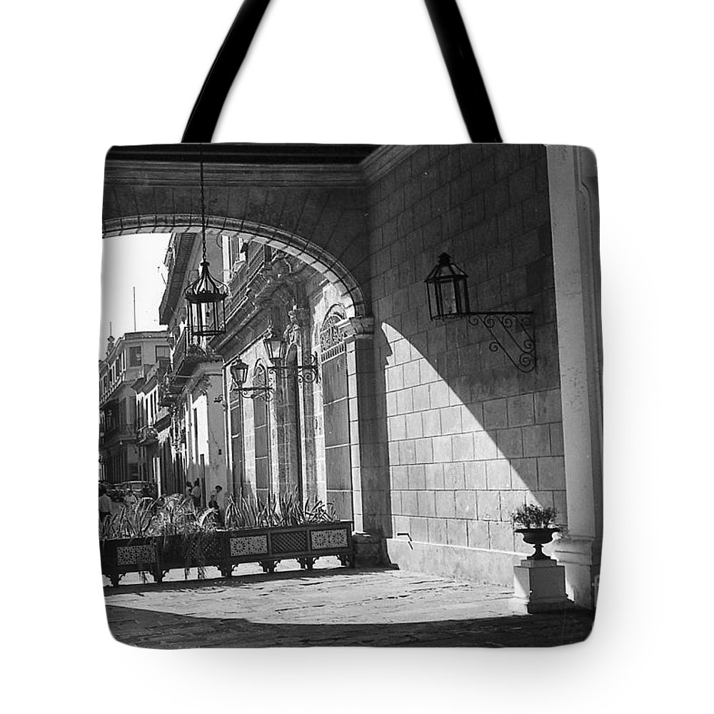 Arch Tote Bag featuring the photograph Arch And Shawdow by Venancio Diaz