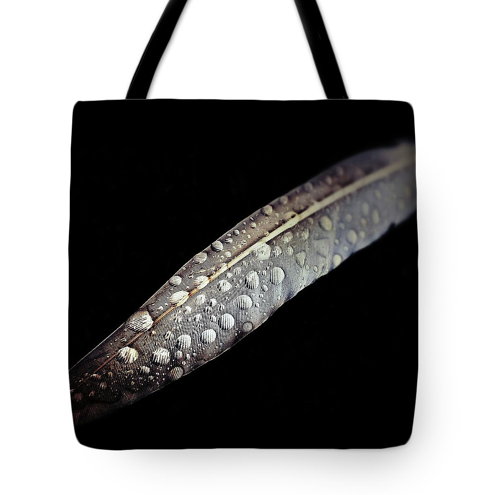 Feather Tote Bag featuring the photograph Feather Dew by Nicklas Gustafsson