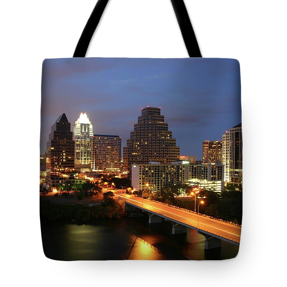 Water's Edge Tote Bag featuring the photograph Austin Texas Skyline - Unique by Xjben