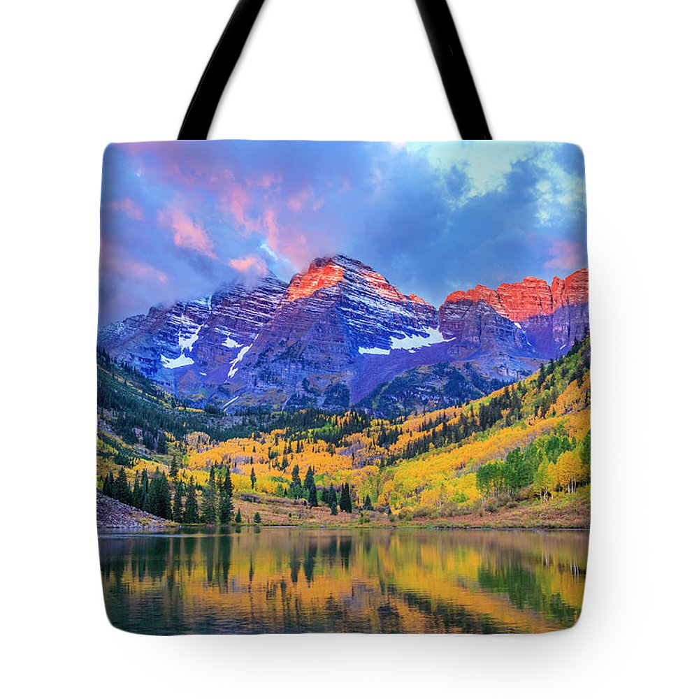 Scenics Tote Bag featuring the photograph Autumn Colors At Maroon Bells And Lake by Dszc