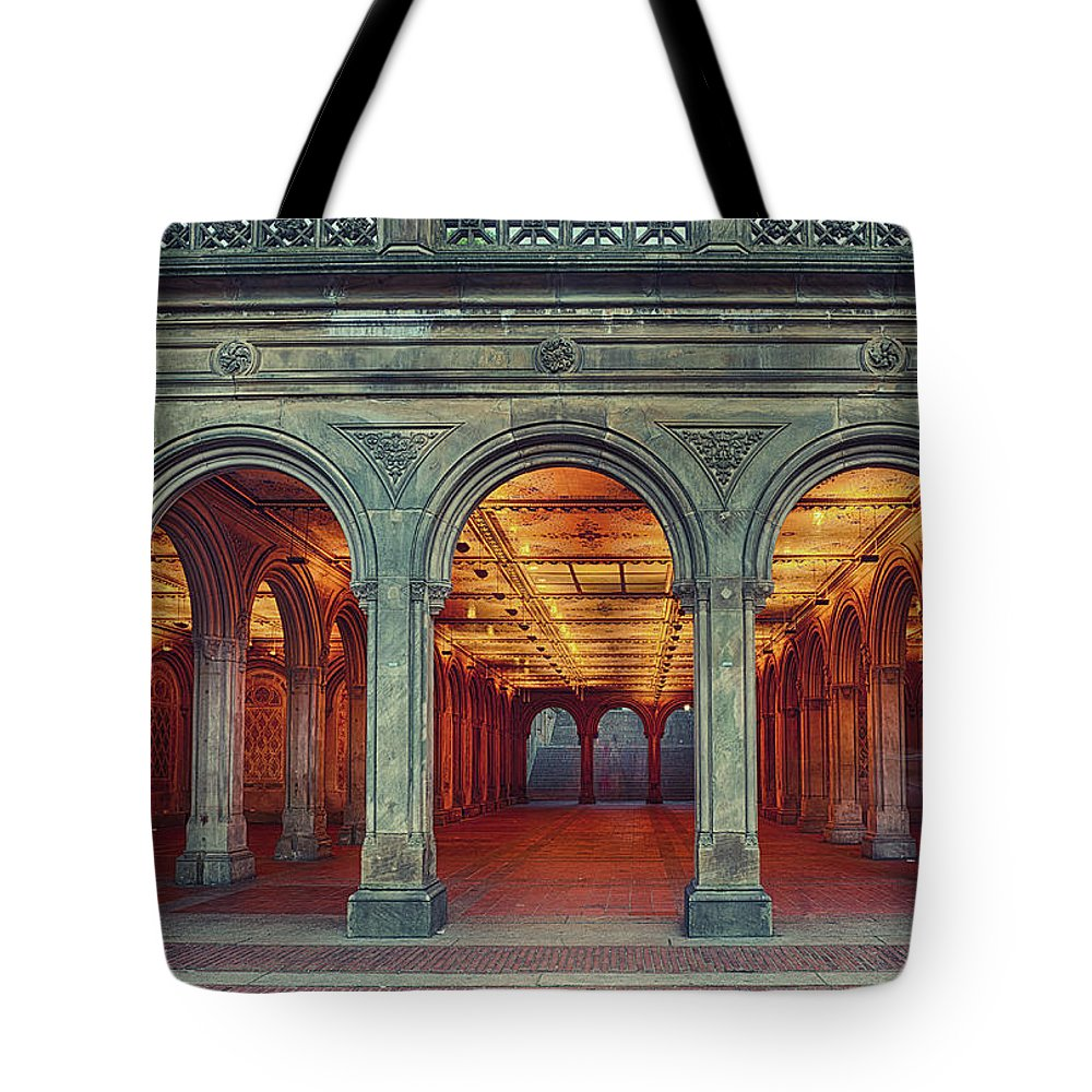Arch Tote Bag featuring the photograph Bethesda Terrace In Central Park - Hdr by Rontech2000