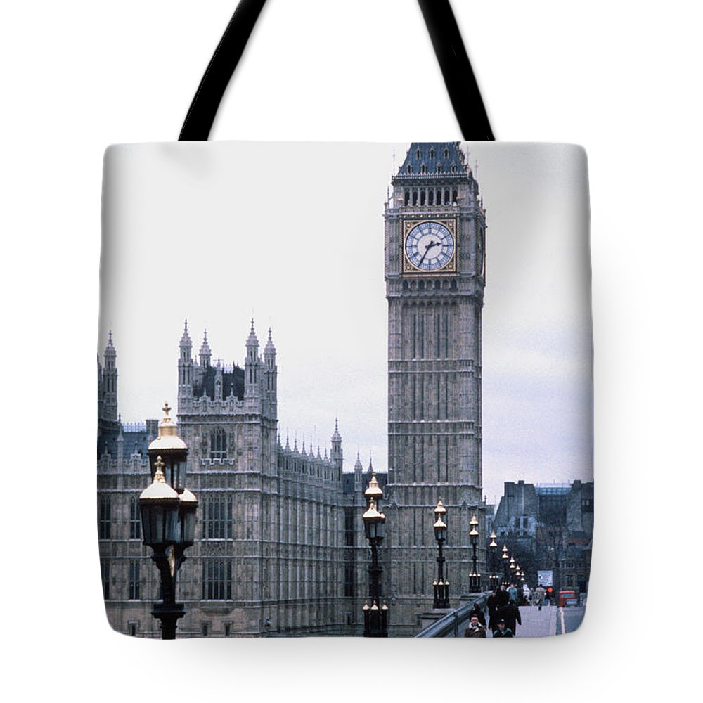 Clock Tower Tote Bag featuring the photograph Big Ben In London by Dick Luria