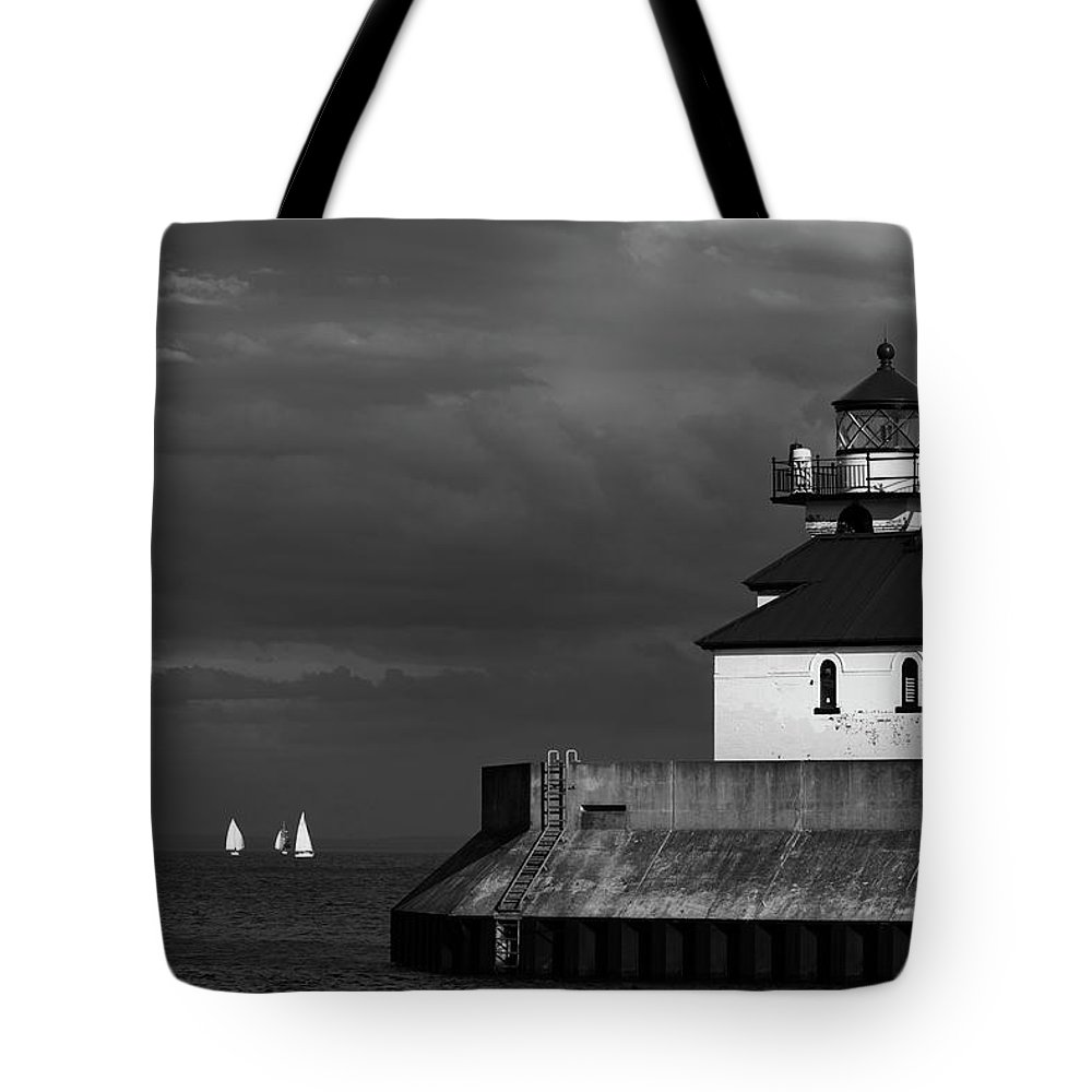 Black And White Sailboats Tote Bag featuring the photograph Black And White Regatta On Lake Superior by David Lunde