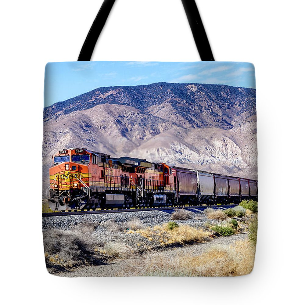 Bnsf5342 Tote Bag featuring the photograph Bnsf5342 by Jim Thompson