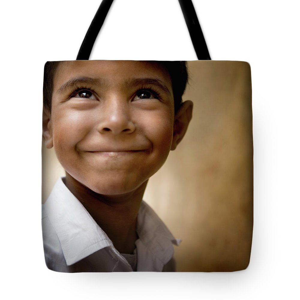 Child Tote Bag featuring the photograph Boy Looking Up 6-7 by David Sacks