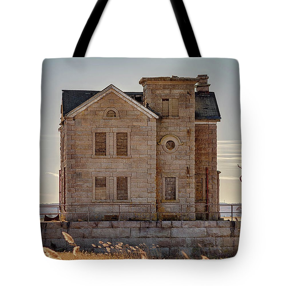 Lighthouse Tote Bag featuring the photograph Cedar Point Lighthouse by Donald Lanham