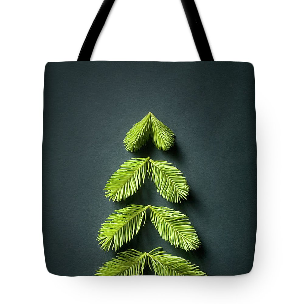 Needle Tote Bag featuring the photograph Christmas Tree by Malerapaso