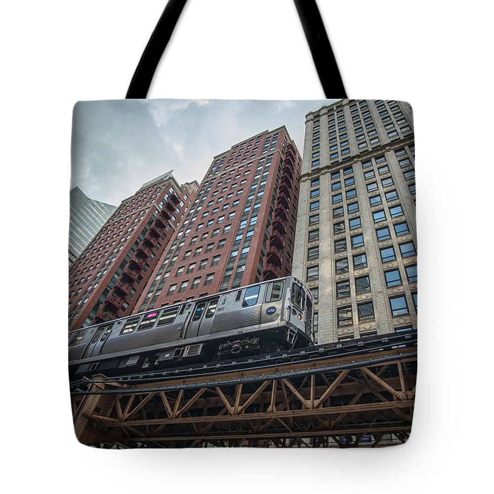 Chicago Tote Bag featuring the photograph Cta Pink Line Train by Jim Pearson