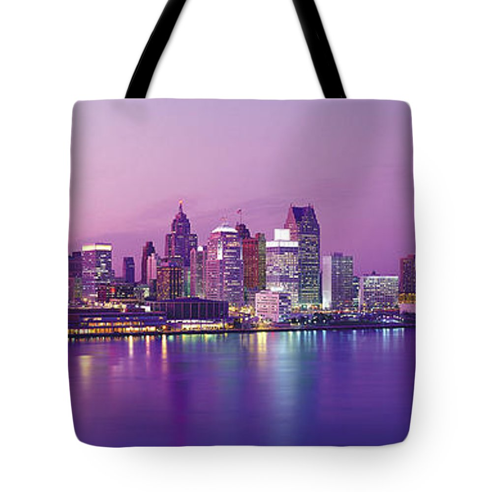 Dawn Tote Bag featuring the photograph Detroit Under Purple Sky by Jeremy Woodhouse